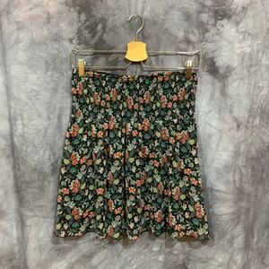 Cabi #5184 Blue Floral Smocked Skirt Size Small